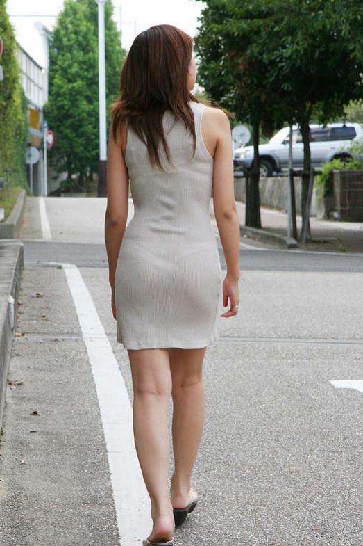 Частное фото в прозрачном платье