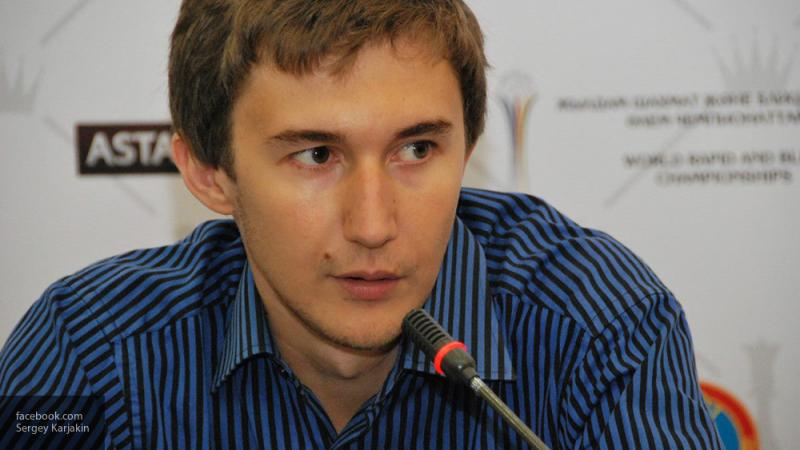 Гроссмейстер Сергей Карякин исполнил новогоднее желание уральского школьника и сыграл с ним в шахматы