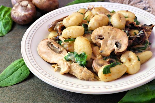 Картофельные ньокки в грибном соусе
