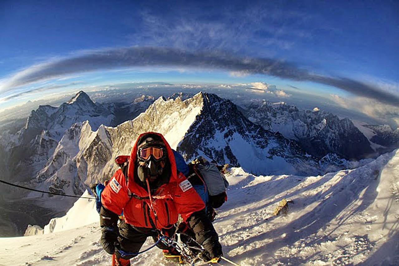 Памятники из людей. Как убивает Эверест