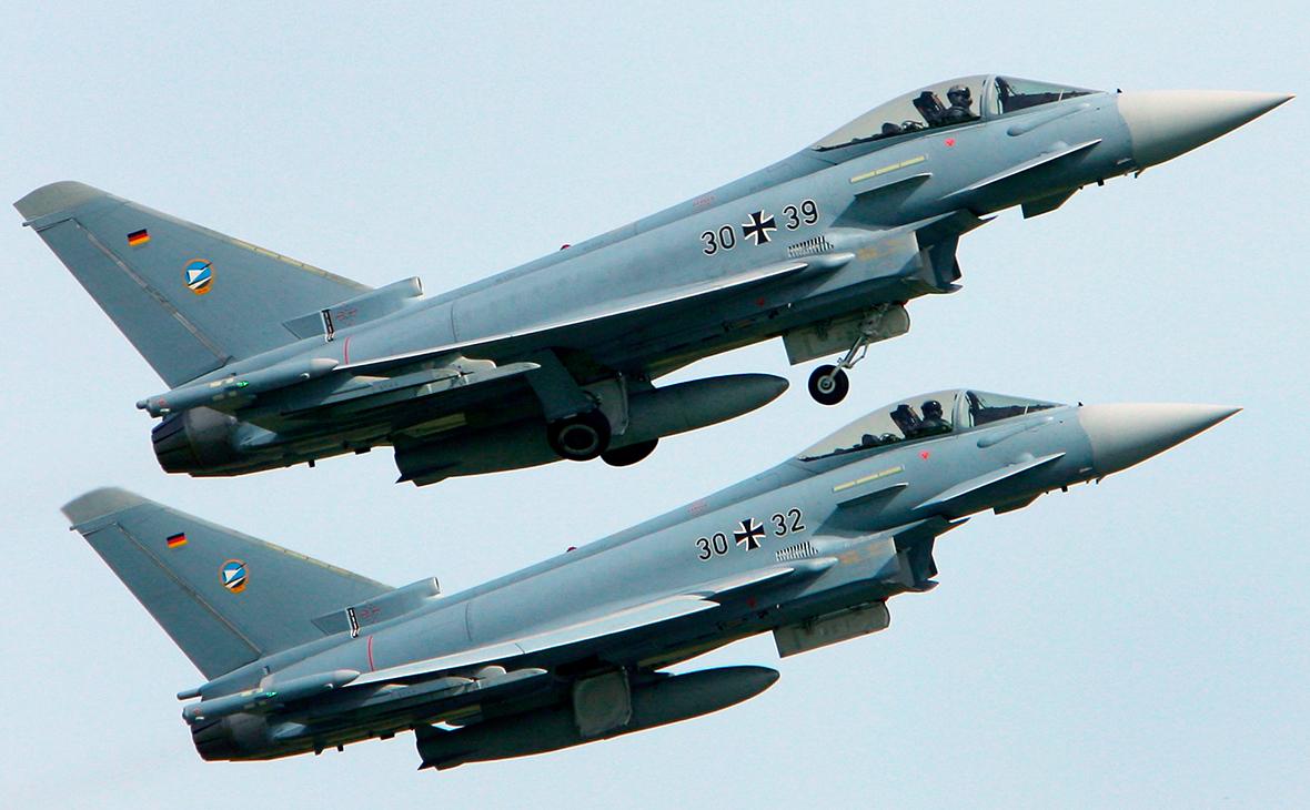 В Германии на учениях произошло столкновение двух истребителей