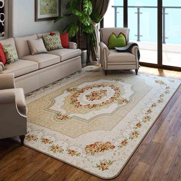 интерьер гостиной с ковром в классическом дизайне на полу