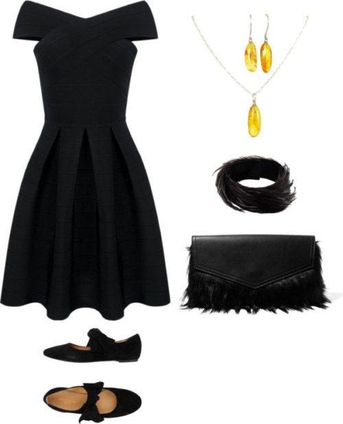 Черное платье и украшения
