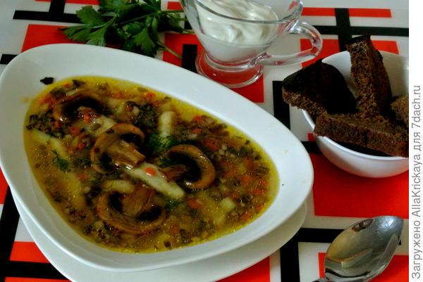 Суп грибной с клецками