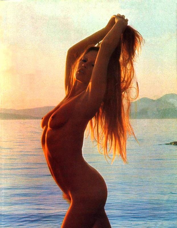 Брижит Бардо в журнале Плейбой 1974 года (18+)