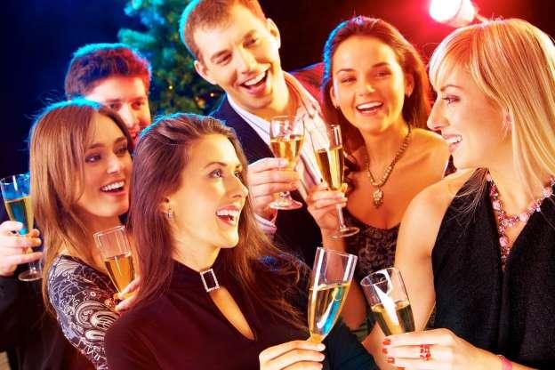 К Новогодней вечеринки : 10 игр для компаний, с которыми не соскучишься