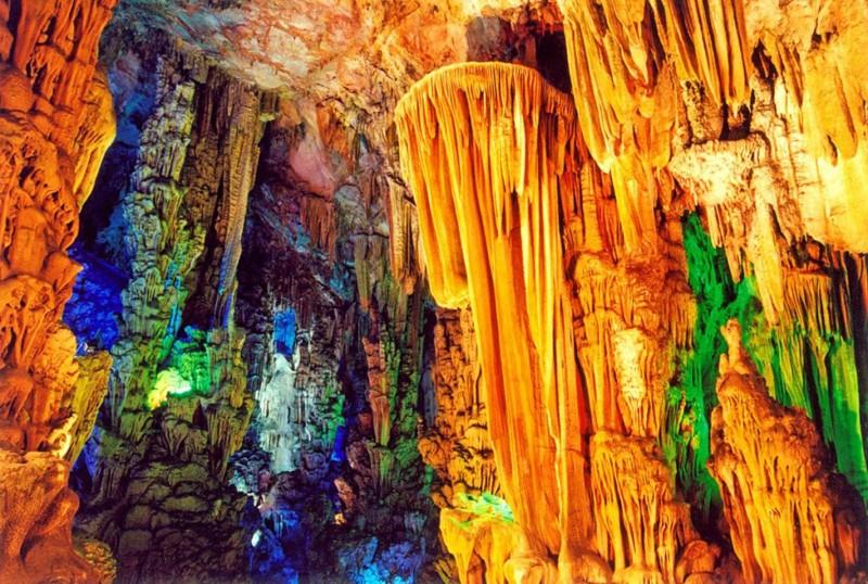 8. Пещера тростниковой флейты в Китае красивые места, прекрасная планета, чудеса природы