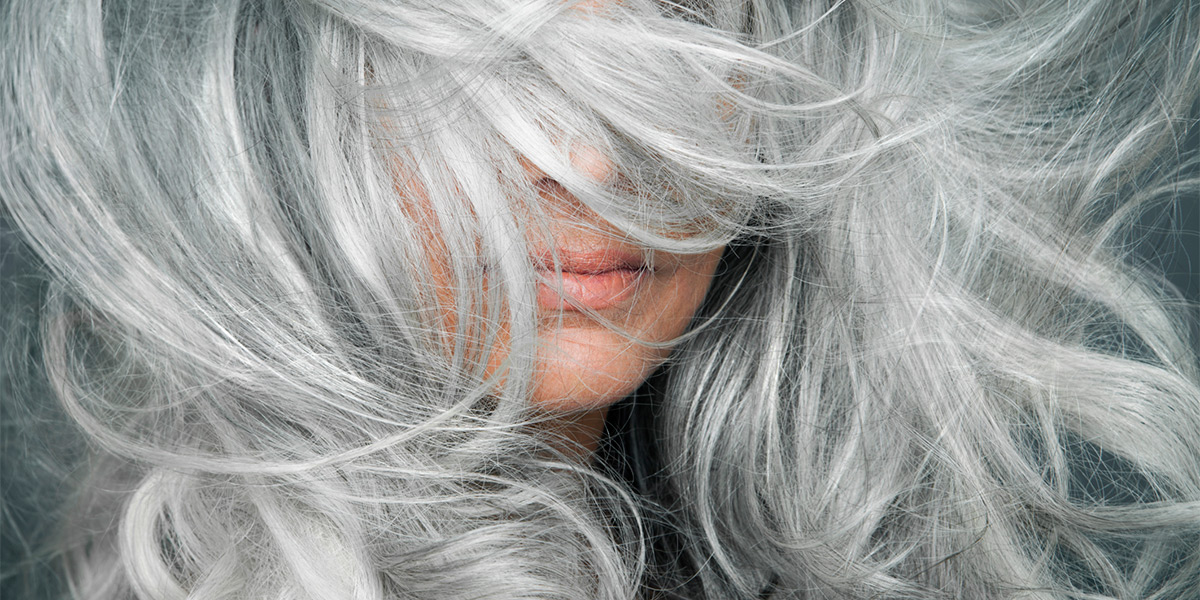 5 натуральных красителей для волос, маскирующих седину