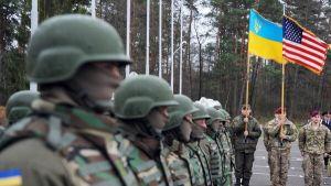 Нужны ли Беларуси войска на …