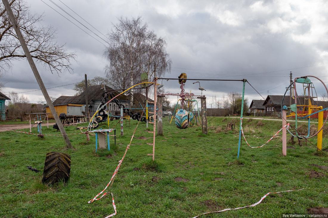 Есть ещё гении в русской деревне! архитектура,деревня,детская площадка
