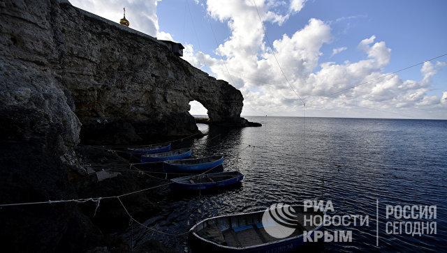 Писатель Акунин высказался о российском выборе крымчан