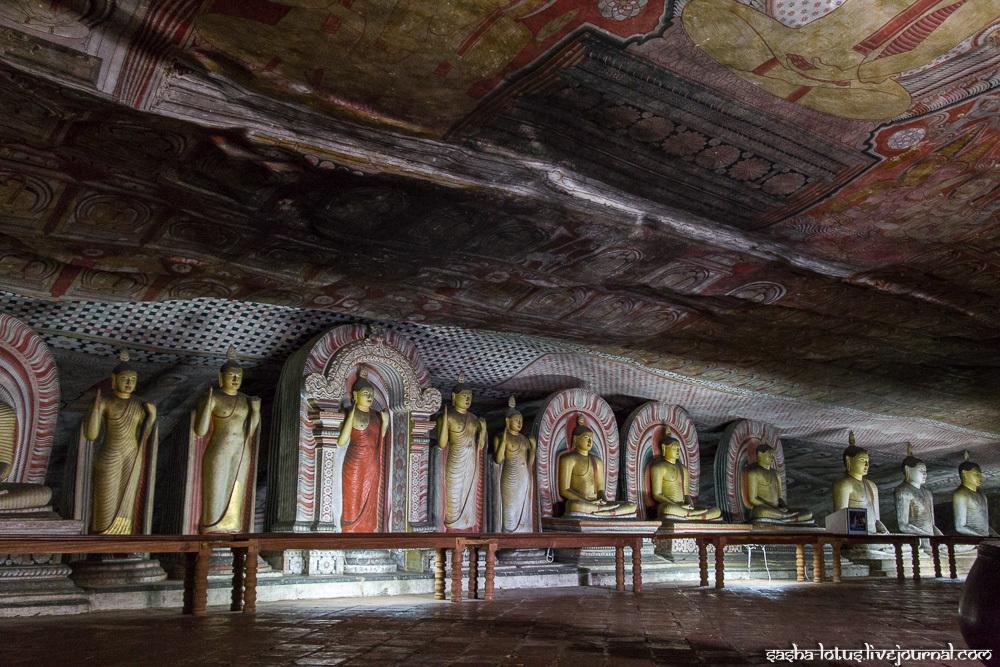 Дамбулла - пещерный храм с двухтысячелетней историей