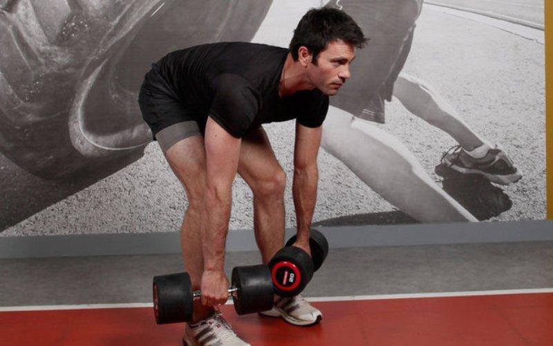 7 упражнений с гантелями от профессионалов