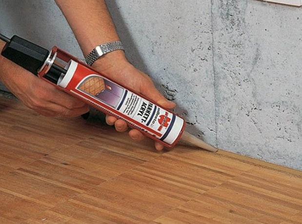 Чем заделать щель между полом и стеной под плинтусом домашний очаг