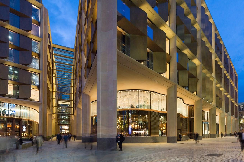 Прогулка по офису Bloomberg LP в Лондоне
