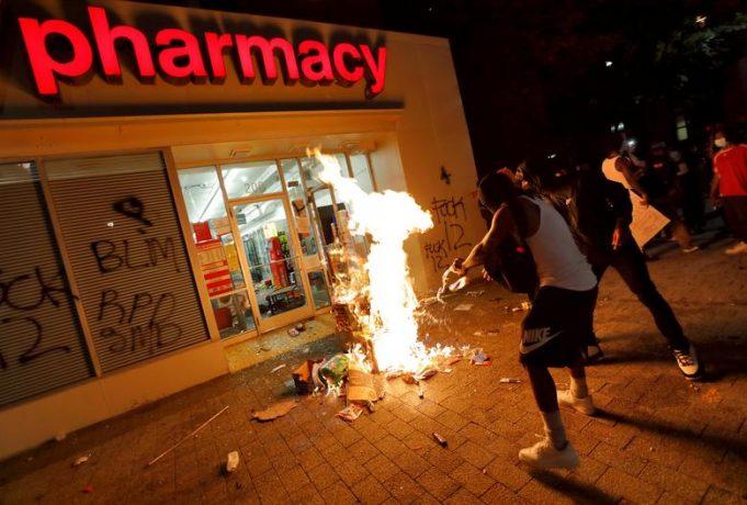 Протесты в США, охватившие всю страну
