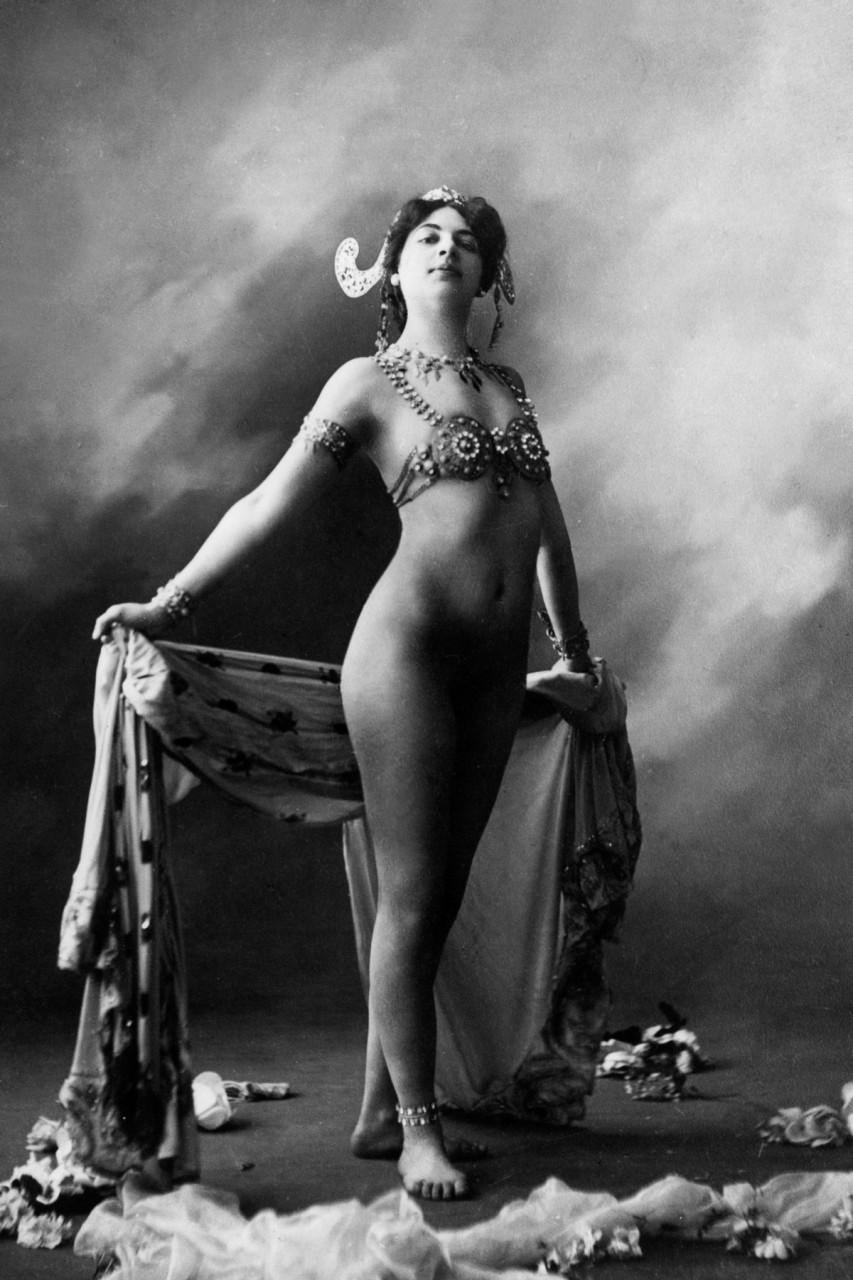 прекрасные исторические фото голых женщин зря говорят, что