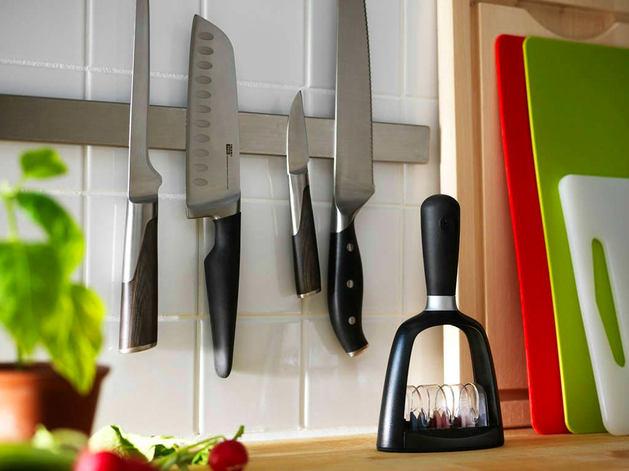 Кухня в цветах: черный, серый, темно-зеленый, бежевый. Кухня в .