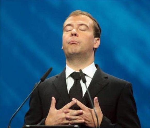 """""""Медведева в отставку!"""" Серг…"""