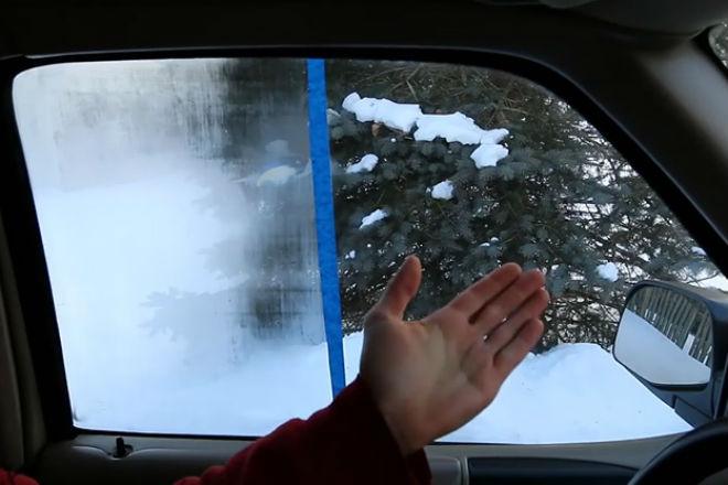 Простой способ избавить стекла авто от запотевания