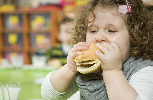 Почему толстый ребенок — это повод бить во все колокола?
