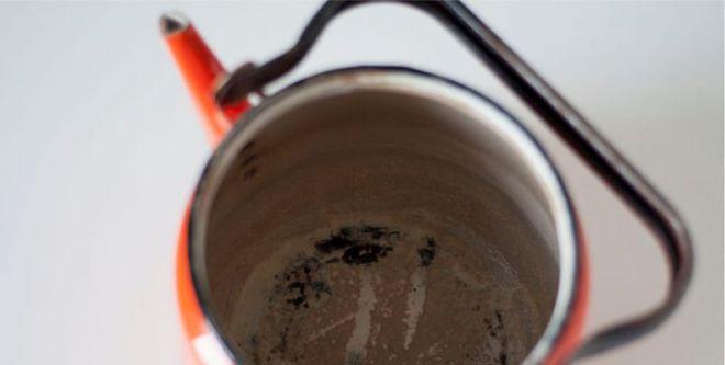 Как очистить эмалированный чайник от накипи