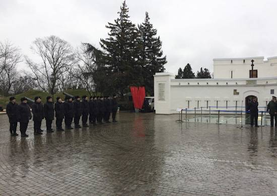 Anonymous рассказали о британском предложении минировать бухту Севастополя