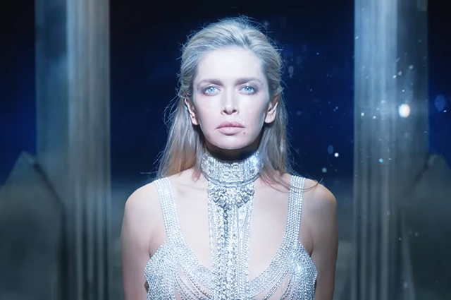 Вера Брежнева выпустила новый клип на песню