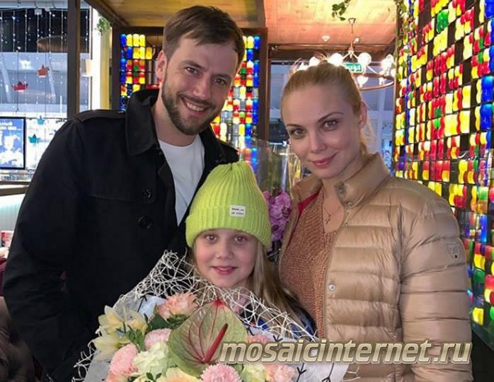 http://mosaicinternet.ru/internet_shkatulka/zhidkov_pokazala_foto_s_docher_yu_ot_arntgol_c/