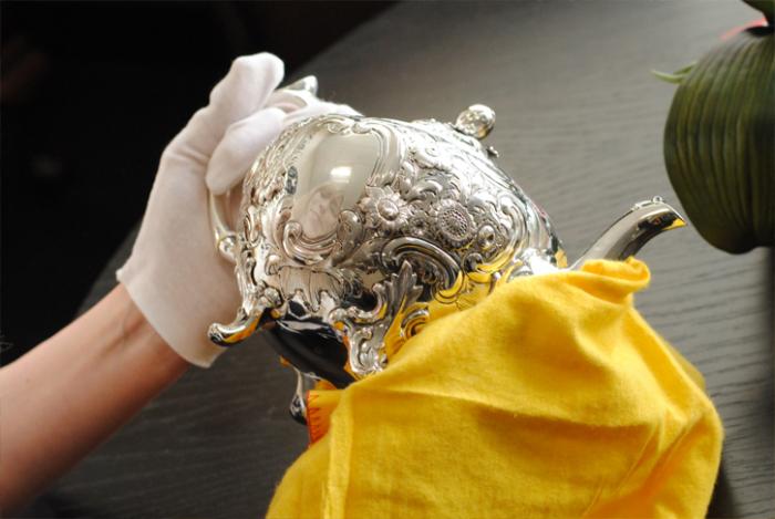 Масло может замедлить потускнение серебра. /Фото: acsilver.co.uk