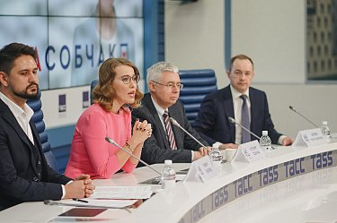 Кто руководит штабом Собчак?