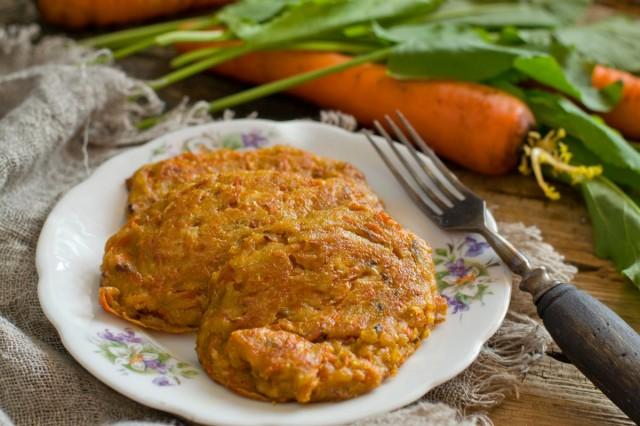 Биточки творожные с морковью: когда и вкусно и полезно!