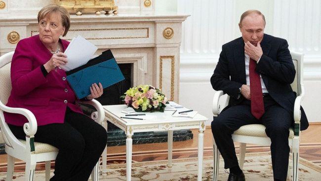 Брюссель отказался прикрывать Меркель, если таневыполнит обещания Москве