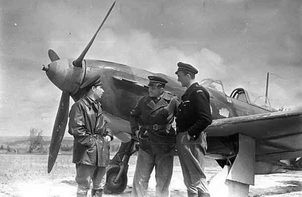 Почему советские истребители ЯК делали из фанеры