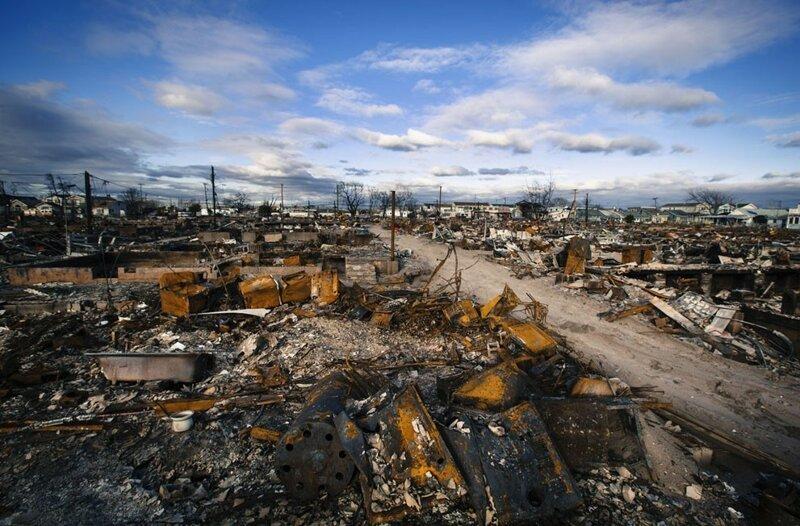 И смерчи с ураганами бедствие, земля, катаклизмы, катастрофа, лавина, оползень, человек