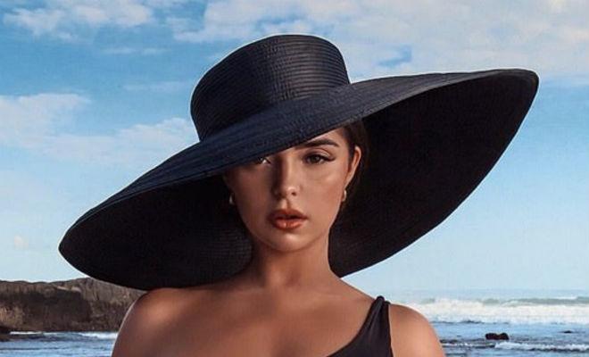 Деми Роуз надела тесный купальник, шляпу и вышла покорять пляж