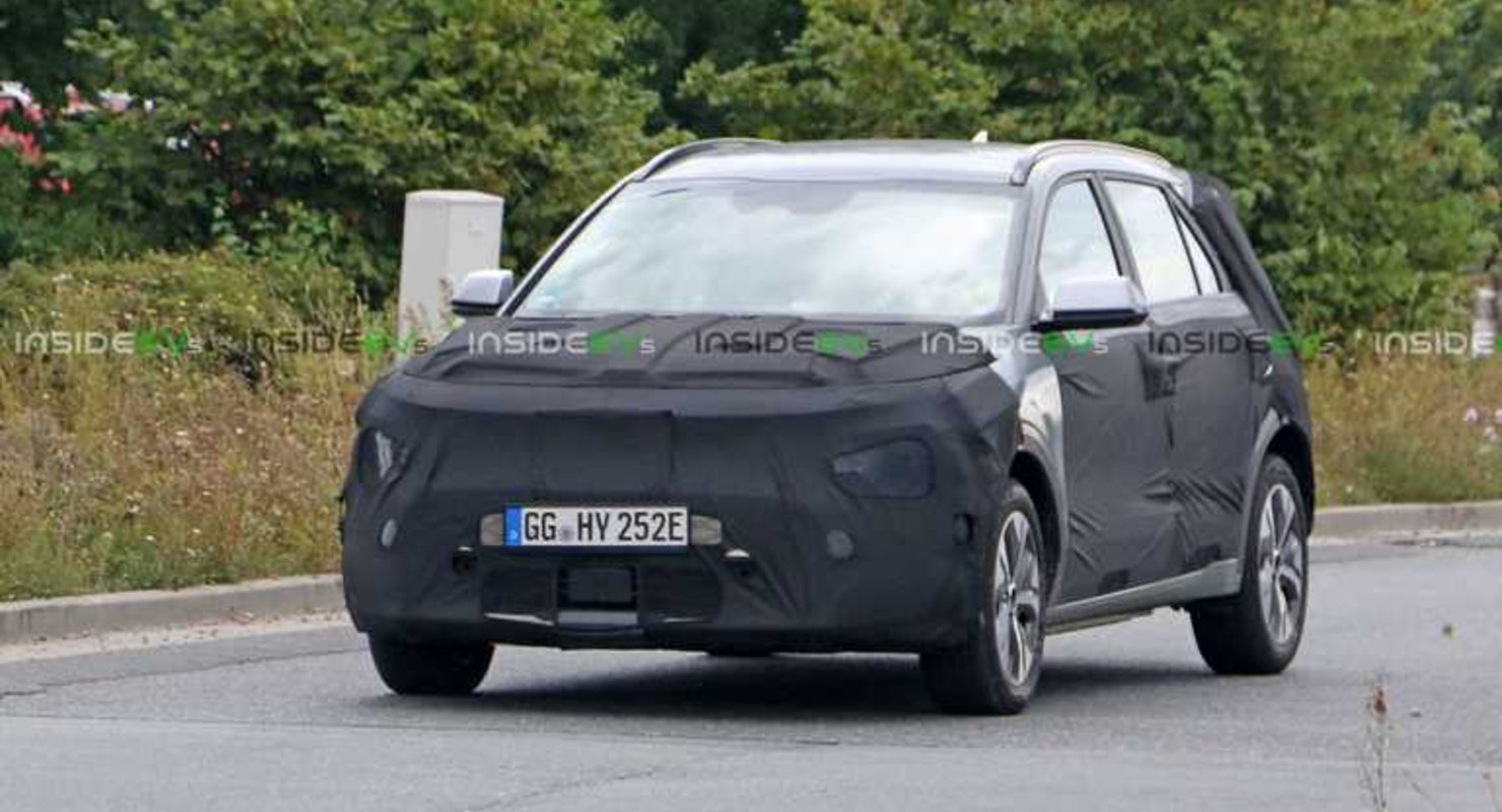 Kia E-Niro нового поколения впервые заметили на тестах Автомобили