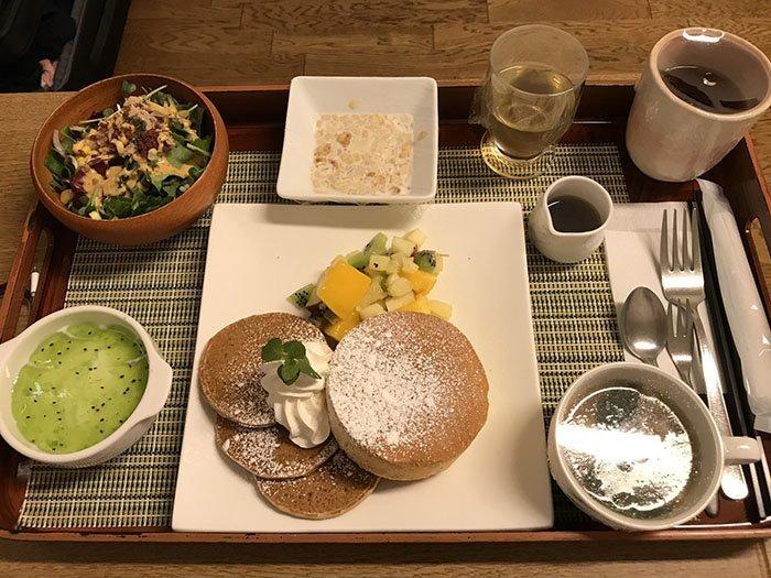 Блины на завтрак (во время схваток) блюдо, еда, пища, родильный дом, роженица, фото, япония
