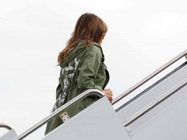 В США продаются куртки в пику Мелании Трамп