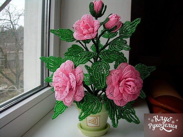 Шикарные розы из бисера  🌹