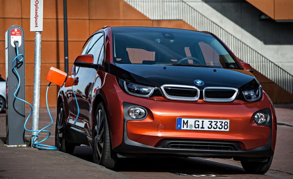 К 2025 году электромобили станут дешевле машин с ДВС