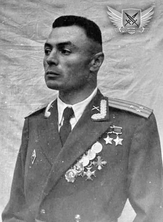 Василий Петров – единственный в мире офицер, воевавший без обеих рук