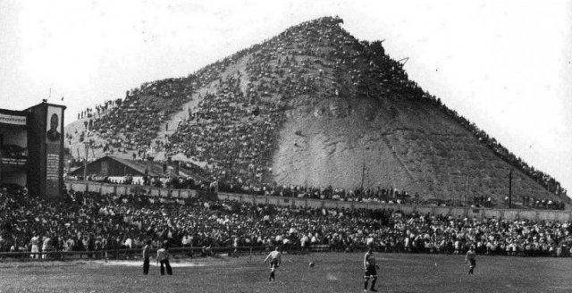 Зрители на матче донецкого Шахтера, 1930-е. история, люди, мир, фото