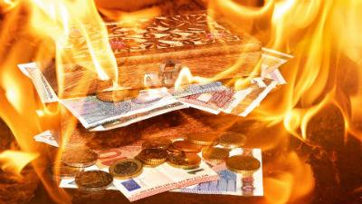 Суд арестовал счета замминистра культуры с десятками миллионов рублей