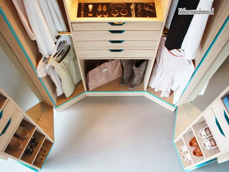 Складной шкаф- гардероб дизайнера хосунь Чина.