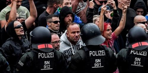 Германия уверенно идет к гра…