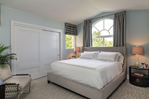 Белый шкаф купе для спальни