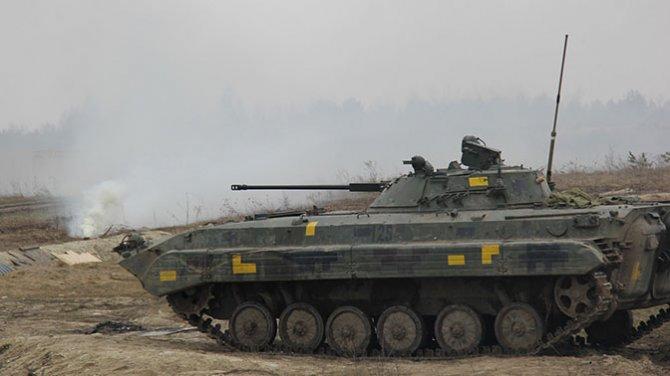 БМП раздавила двух спящих солдат ВСУ