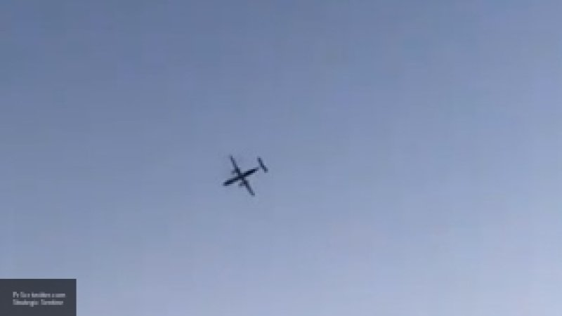 """На борту самолета Хабаровск-Новосибирск полицейский """"откачал"""" пенсионера"""