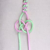 Макраме: Бантовый узел, или узел Жозефины. Шаг 3